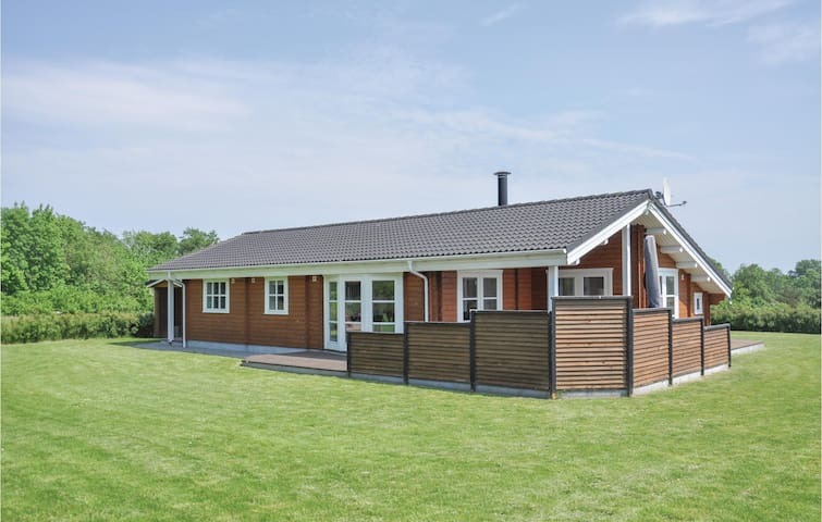 Holiday cottage with 3 bedrooms on 95m² in Sydals