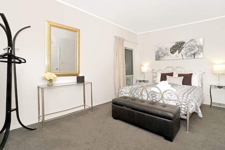 Kapanga 1 ~ One Bedroom Apartment