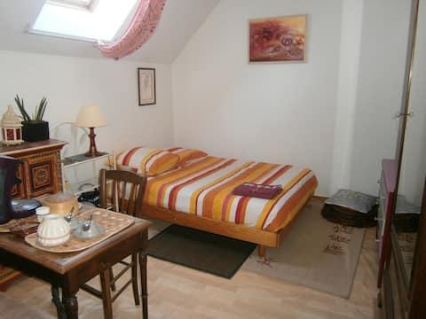 Chambre dans maison d'habitation ancienne