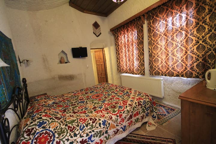 Local Cave House Small Double Room