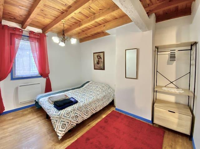 Chambre #1 avec lit double
