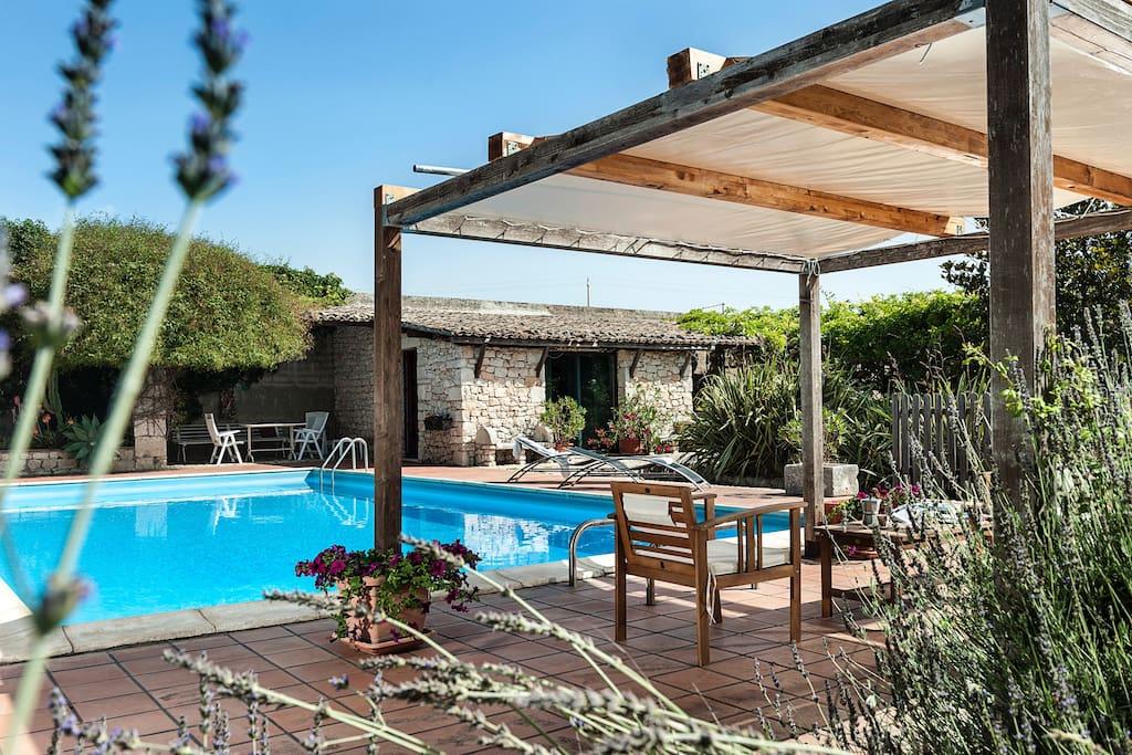 Villa storica con piscina privata ville in affitto a - Villa con piscina sicilia ...