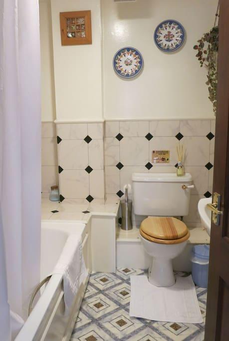Family bedroom bathroom
