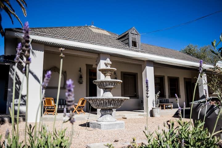 Olivanti Country Manor - The Villa (Oudtshoorn)