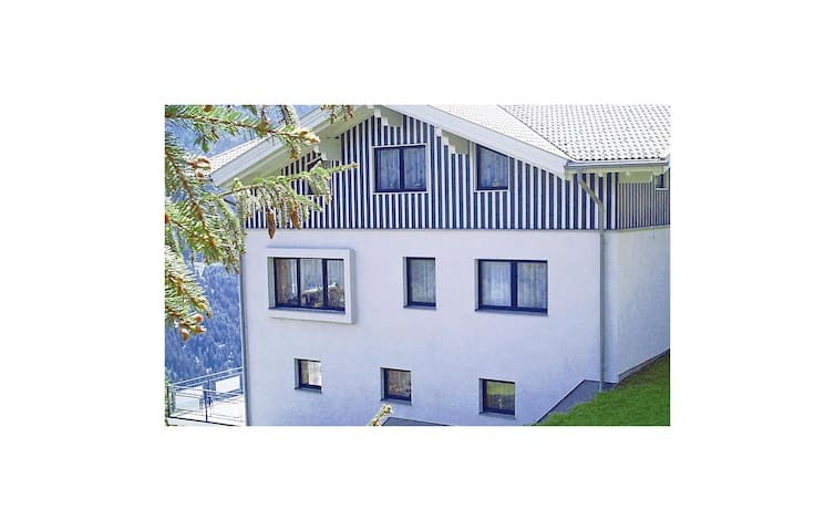 Holiday apartment with 2 bedrooms on 68 m²
