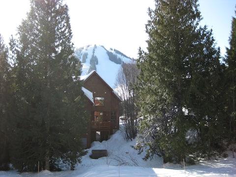 Duck Inn Red Mountain Canada B&B