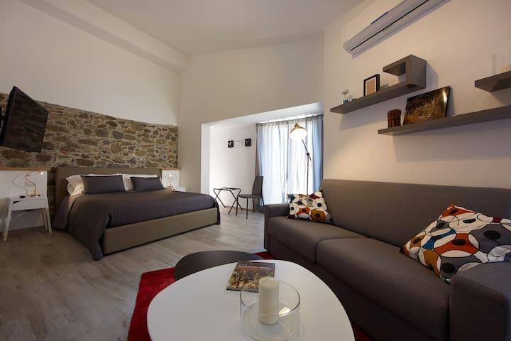 """Duomo4  """"Stromboli"""" Monolocale - Sant'Agata di Militello - Apartment"""