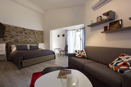 """Duomo4  """"Stromboli"""" Monolocale - Sant'Agata di Militello - 公寓"""