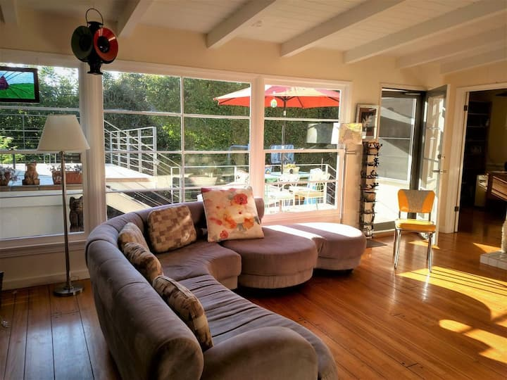 Bright, Open, Airy Haven by Beaches, Hikes, Shops