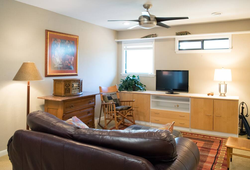 Large living room with flat screen available for wifi connection. Cable ready for longer term leases to access programming for an additional fee.