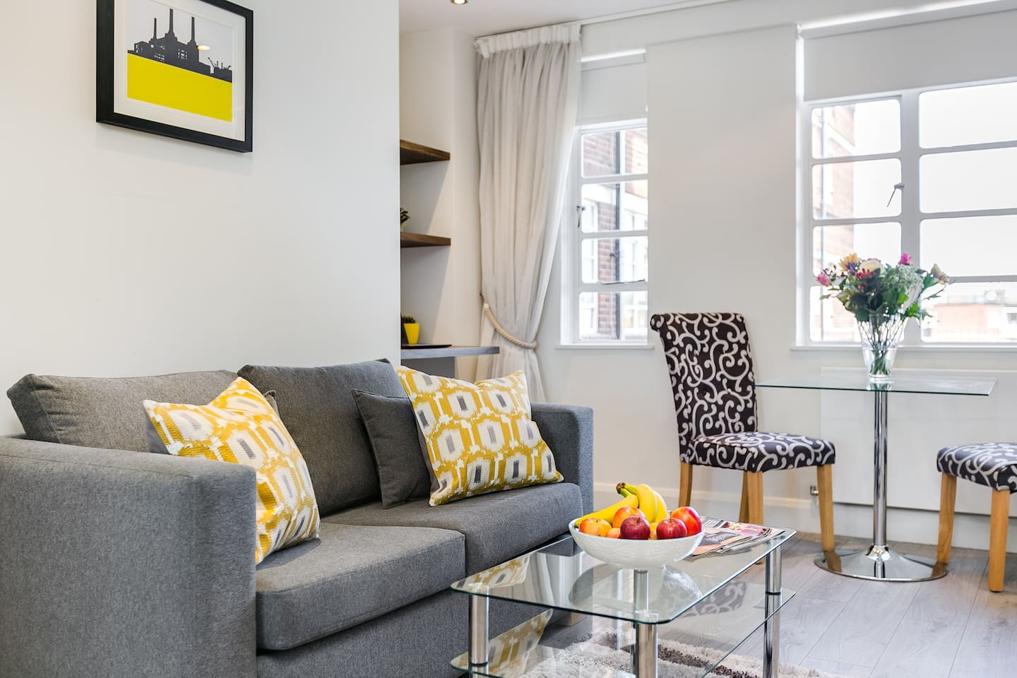 Refurbished 5th floor one bedroom apartment in London's famous Nell Gwynn House. Relax, unwind and enjoy the views from your very own little piece of Chelsea