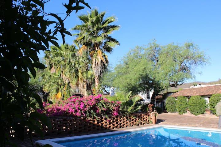 Rancho El Palomar - Twin Bed Room #1