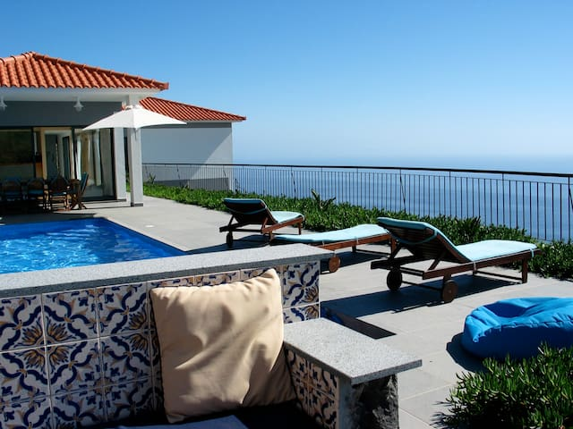 Quinta Falcoes - A villa with an amazing view - Estreito da Calheta - Vila