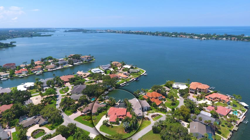 Little Pointe By The Bay, private pool, boat dock