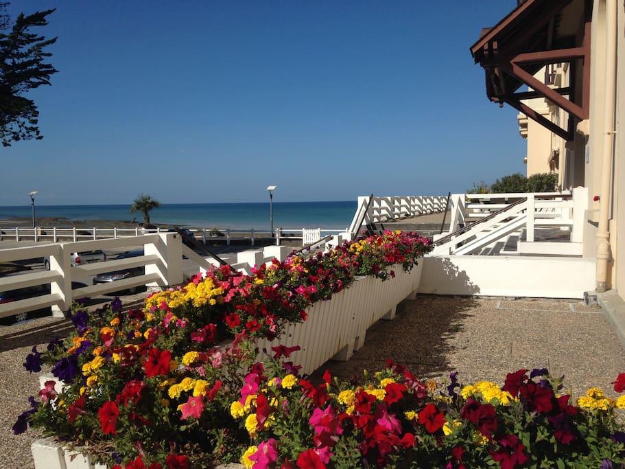 Parking résidence , accès direct plage