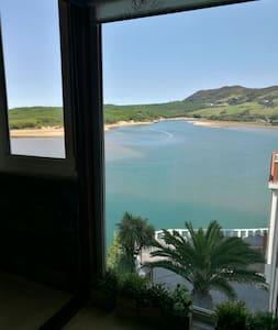 Apartamento  junto a playa de Mogro y Abra del Pas