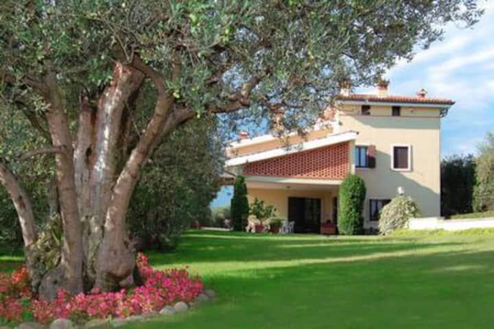 Agritourism/Farm house by the Lake Garda