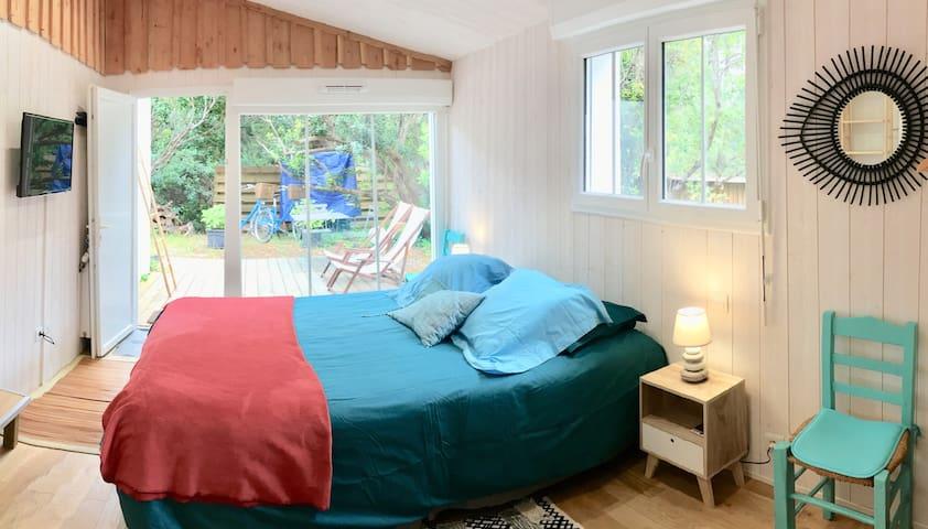 Chambre avec baie vitrée sur votre terrasse