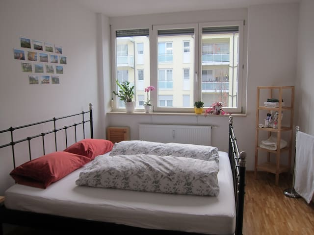 Bright, spacious double room