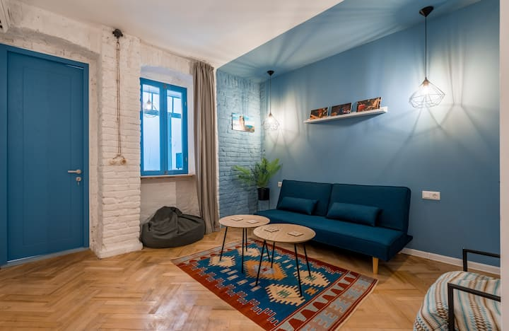 Old Tbilisi Apartment 2