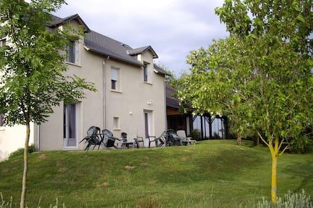chambres d'hôtes La Prade à 3km de Najac - Najac - Bed & Breakfast