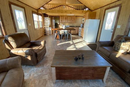 BRAND NEW Cabin at Hollow Oak Ranch!