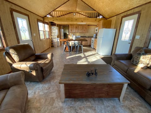 BRAND NEW Cozy Cabin on Ranch by Lake Ray Roberts!