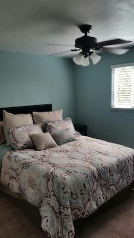 Fortress of Solitude/2 bedroom apartment - Peoria - Apartment