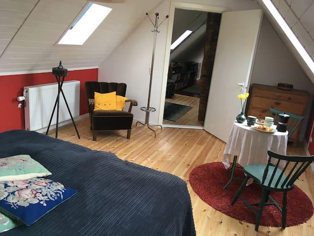 24 m2 værelse