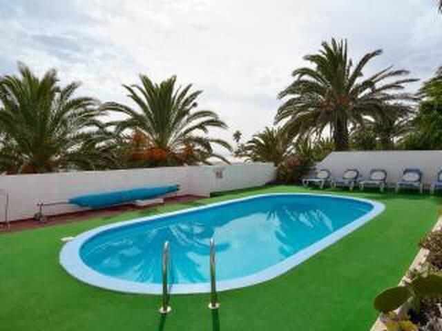 Casa Cobra