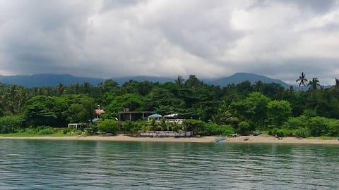 Roberto's Hideaway Beach Resort - Bahay Diwata