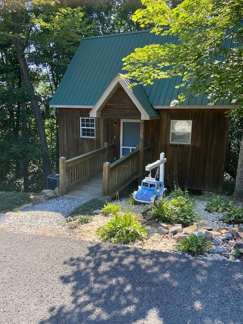 Cumberland Cabin Get Away
