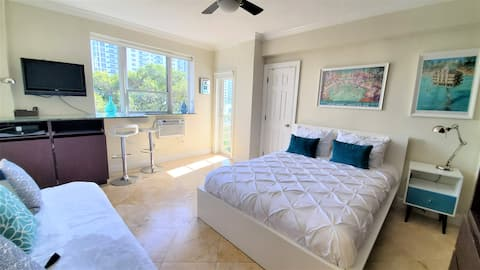 Mantell Plaza 501 -Studio with Pool close to Beach