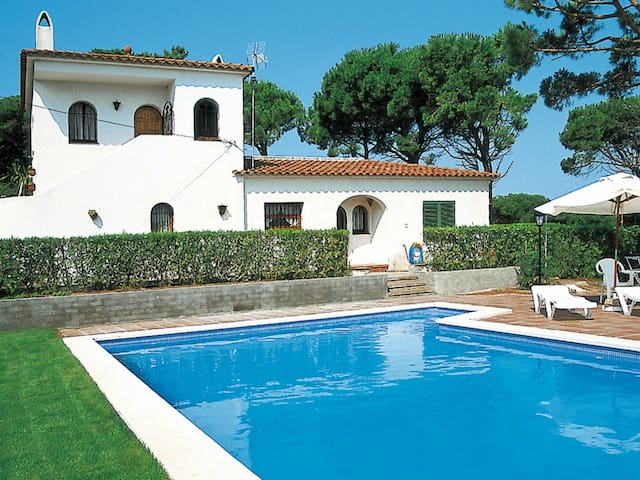 Holiday home in Playa de Pals for 8 persons