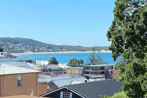 Heart of Terrigal, lovely views,    Walk to beach