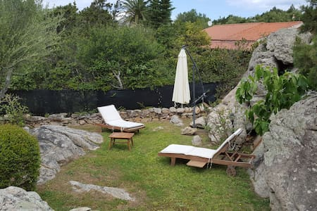 HOME WITH BIG GARDEN AND 2 ROOMS - Porto Rotondo - Apartment