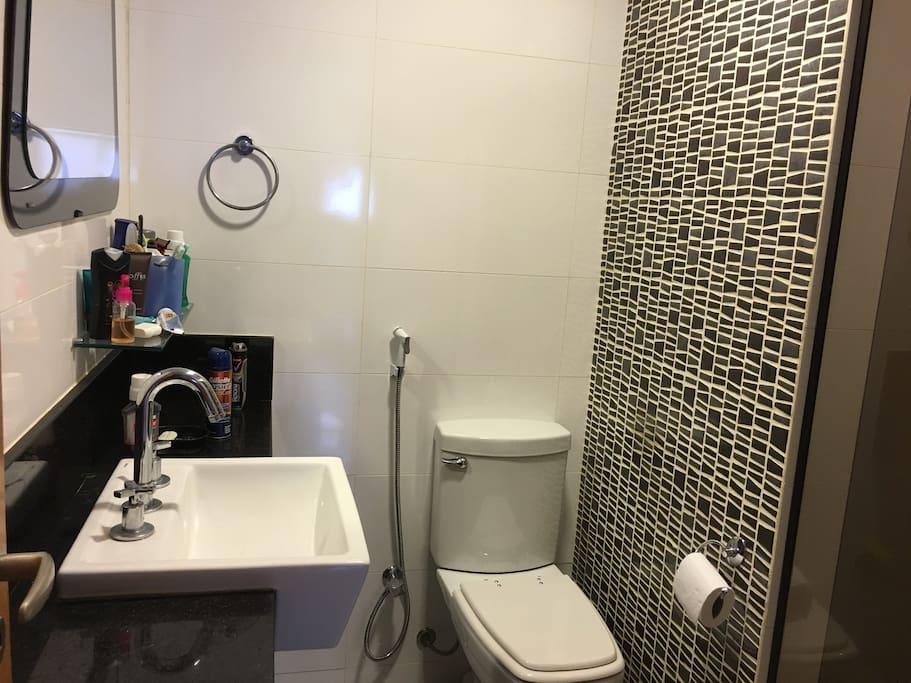 Banheiro da suíte, materiais novos. de primeira qualidade