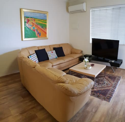 Mt Lawley 2 BR Affordable Luxury Minutes to CBD 2