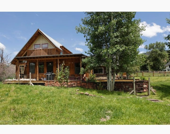Woody Creek River Cabin - ultimate privacy