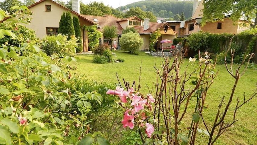 Lovely  Villa 2 in Charming  Spa Town