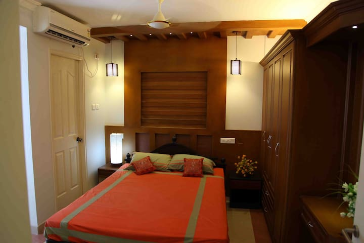 Three Bedroom Fully Furnished Apartment - Nedumbassery - Apartmen
