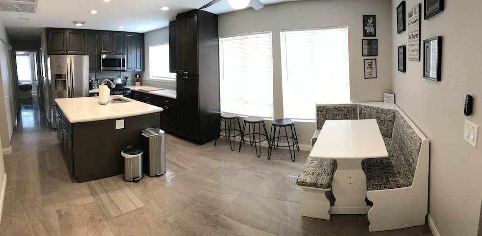 private 3 bedroom home, close to las Vegas strip