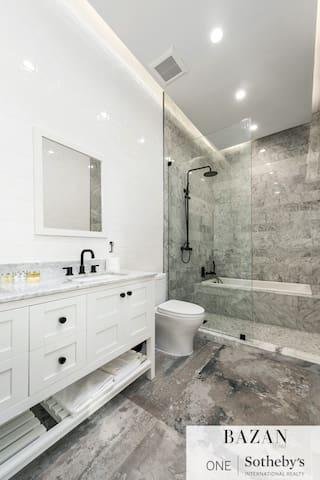 Junior Suite Bathroom 5, double vanity with tub in shower