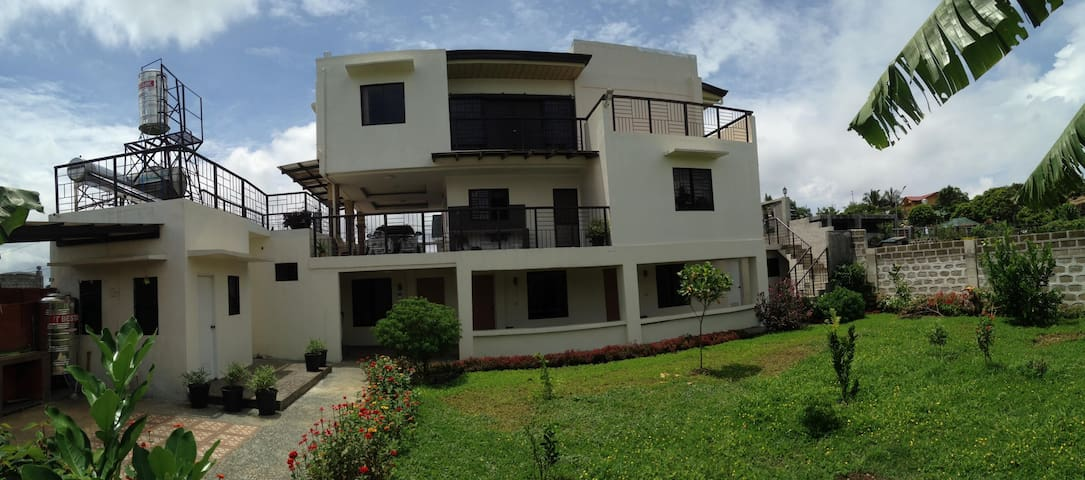 Spacious 3 Bedroom Home in Tagaytay