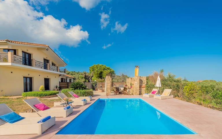 Beach Villa Isida with private swimming pool
