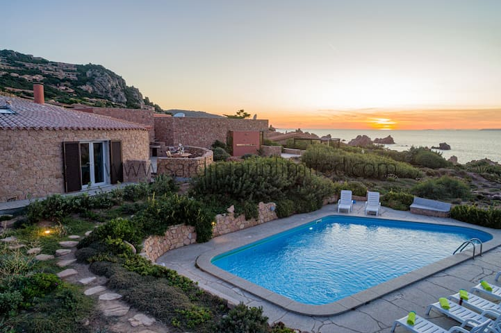 Villa Le Sfumature del Melograno with private pool