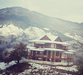 Grand & Cozy room in Woods House - Shimla
