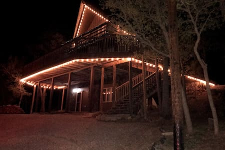 Amazing cabin, close to downtown yet secluded.