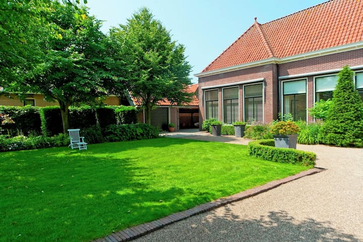 Comfortable cottage in a former school in Hindeloopen