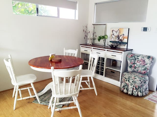Stylish, secured and new 2x2 Apt! - Rivervale - Daire